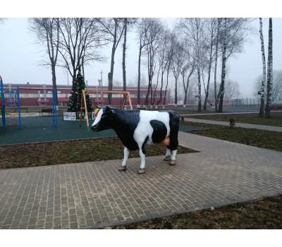 Декоративная фигура корова